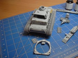 Dragon Models 1/35 Pz. Kpfw. III Ausf. N with Winterketten, s.Pz.Abt.502 Leningrad 1943 Smart Kit