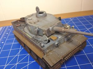 1/35 ACADEMY GERMAN HEAVY TANK TIGER-I EARLY VERSION-KIT NO. 1386